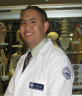 Alumn Steven Perez at his White Coat Ceremonty